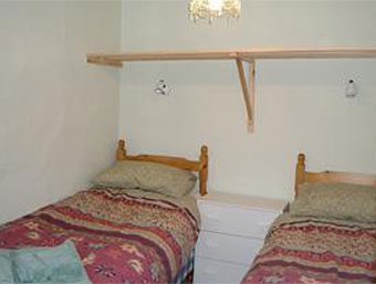 Twin bedroom at Rose Cottage in Wells