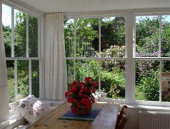 South facing garden room at Rose Cottage holiday home